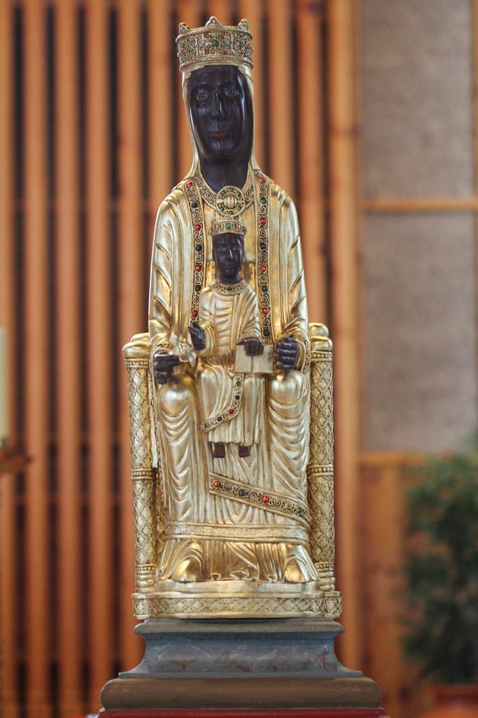 Entronización de la Virgen de Torreciudad en Orense