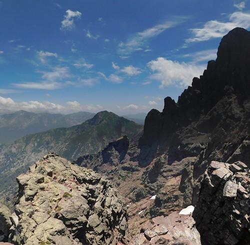 Arrivée vers le sommet de la Soeur SW : Brèche du Sphynx et Paglia Orba