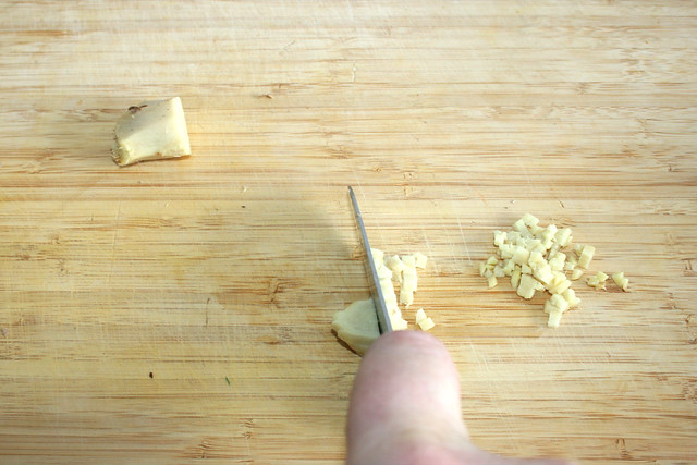 06 - Ingwer würfeln / Dice ginger