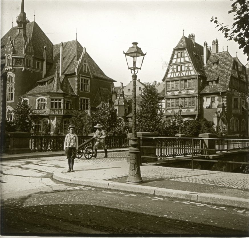 1907. Эльзас. Страсбург. Мальчуган Гимназист Ганс Рудольф, бежавший за экипажем