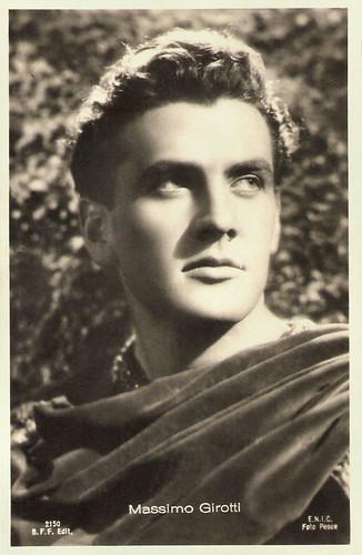 Massimo Girotti in La corona di ferro (1941)
