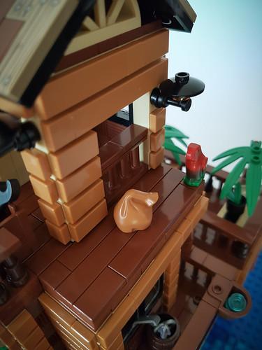 Loner's Paradise MOC. Loading bridge parrot.