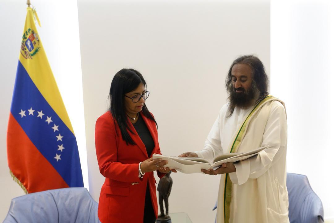 Venezuela recibe visita del líder humanitario y embajador de paz Sri Sri Ravi