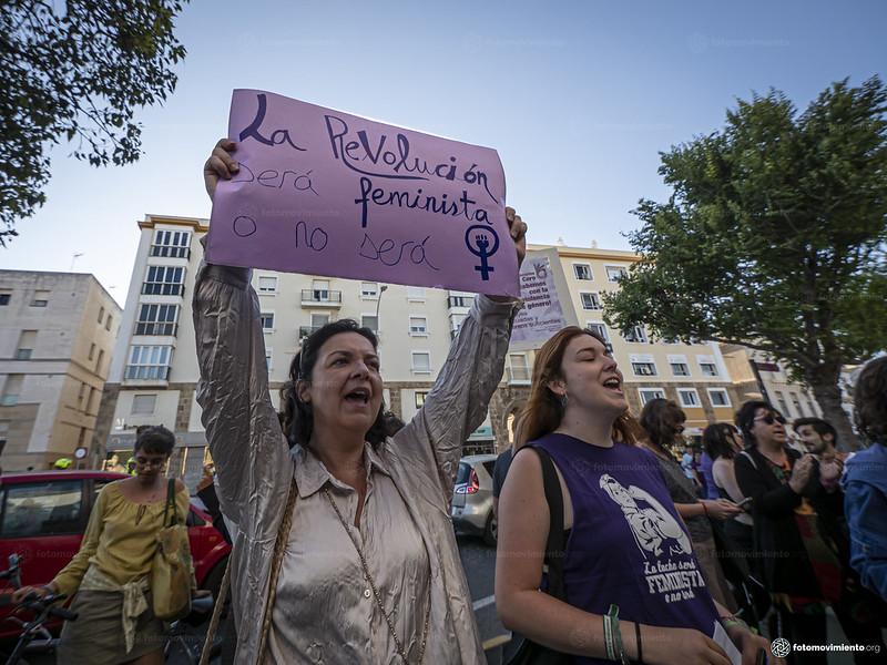 2019_07_08_Concentración_apoyo_victima_violación_Manresa_en_Cádiz_JorgeLizana_05