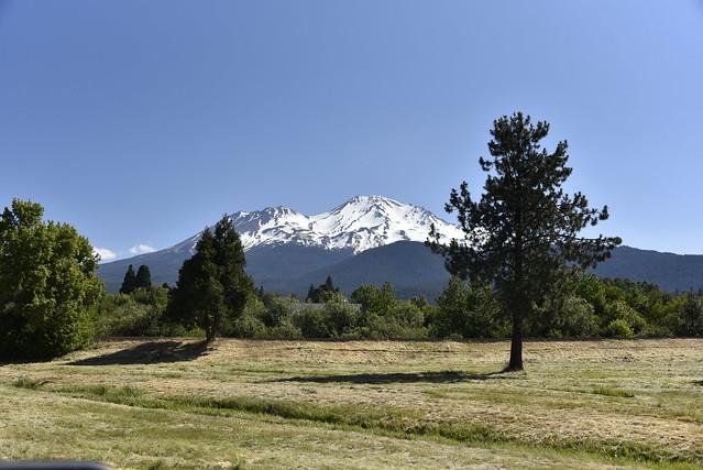 Mt Shasta from I5