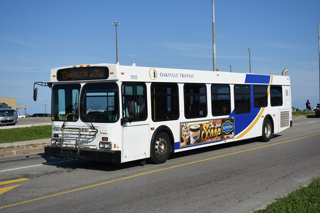 Oakville Transit | 2005 New Flyer D40LF 5105