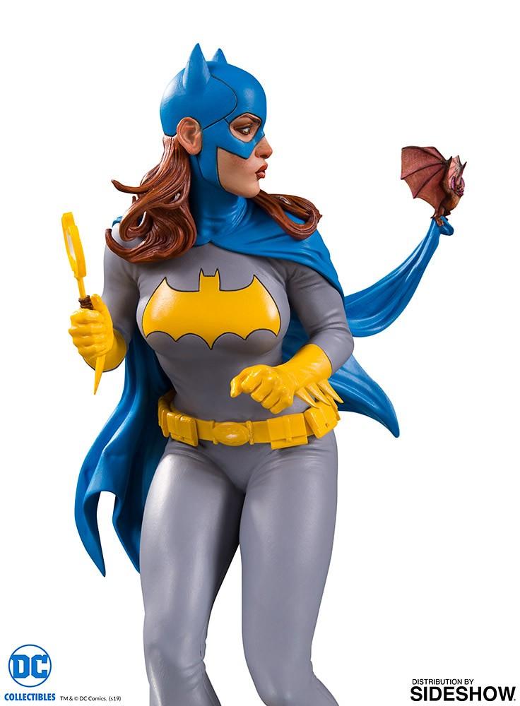 手上那支是…蝙蝠造型蒼蠅拍?! DC Collectibles DC 封面女郎系列【蝙蝠女 by Frank Cho】Batgirl by Frank Cho 全身雕像作品