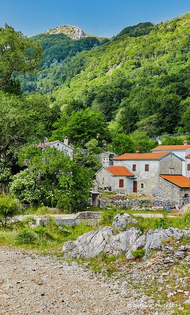 Selo Mala Učka ispod vrhova Učke