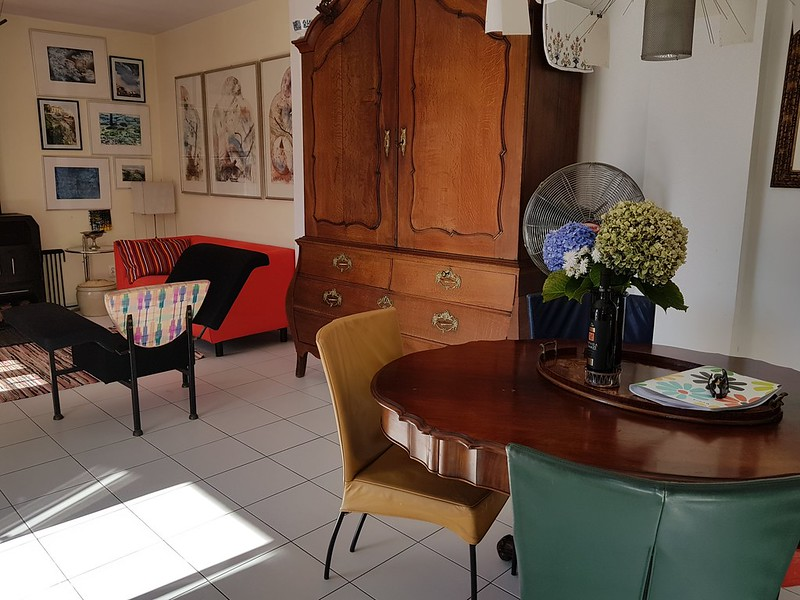 living with dining table
