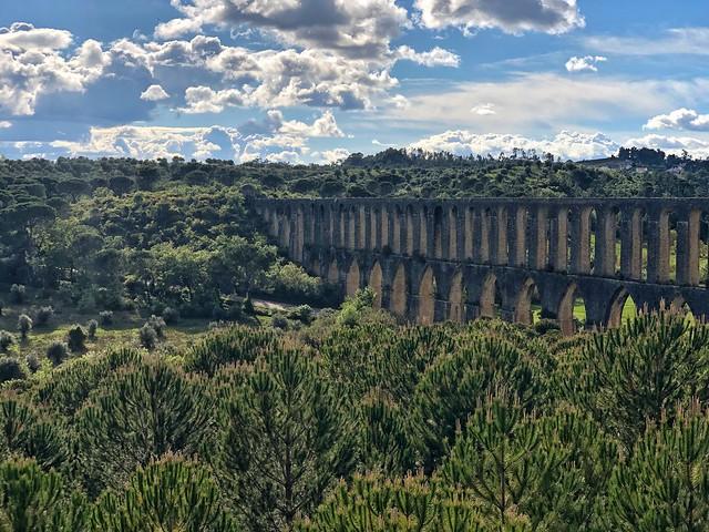 Acueducto dos Pegoes en Tomar (Portugal)