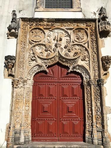 Puerta manuelina de la Iglesia Matriz de Batalha (Portugal)