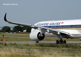 350.941 SINGAPORE AIRLINES F-WZGX 329 TO 9V-SHK 25 06 19 TLS