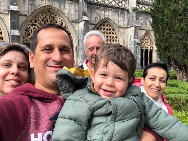 En familia en Batalha (Portugal)