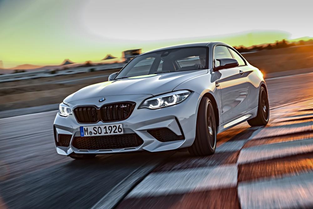 [新聞照片二] BMW M2 Competition手排版搭載S55直列六缸雙渦輪增壓汽油引擎,提供車主強勁動感體驗