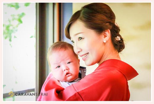 初宮参り 着物姿のママと男の子赤ちゃん