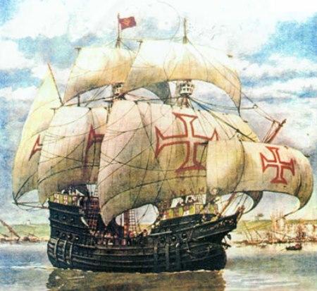 Barco de Magallanes con la cruz de la Orden de Cristo