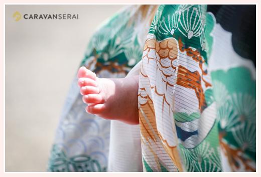 初宮参り 赤ちゃんの足と産着(男の子)