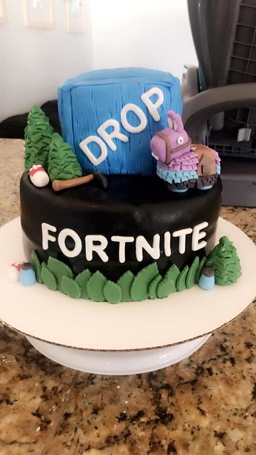 Cake by ForGoodness_Cakes