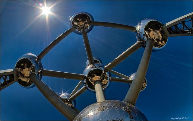 Inside - Atomium (IV)
