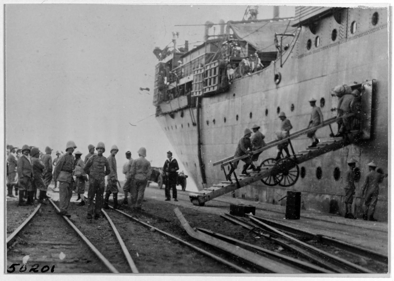 1919. Британские войска из Индии, прибывшие в Владивосток