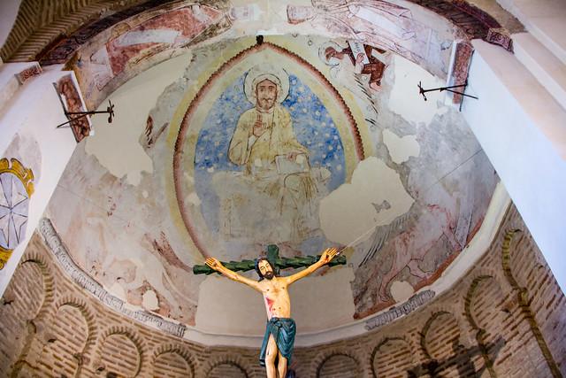 pantocrator pintura mural abside interior Ermita Iglesia del Cristo de la Luz antigua Mezquita de Bab al-Mardum Toledo