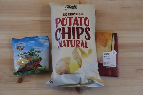Ökovital-Bären, Potato Chips und Vollmilchschokolade mit Haselnuss-Nougat-Füllung