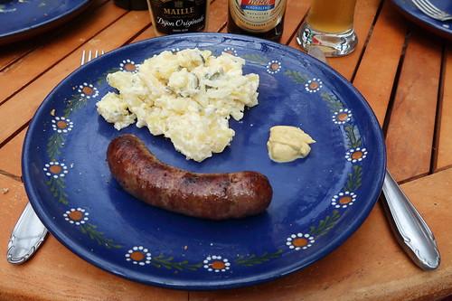 Frische Bratwurst vom Bentheimer Landschwein mit Dijon Senf zu Kartoffelsalat