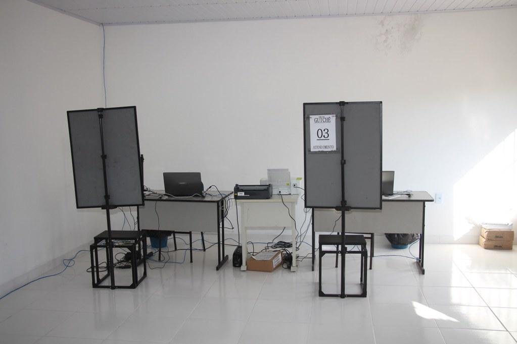 Inaugurado o posto eleitoral em São José de Alcobaça  (9)