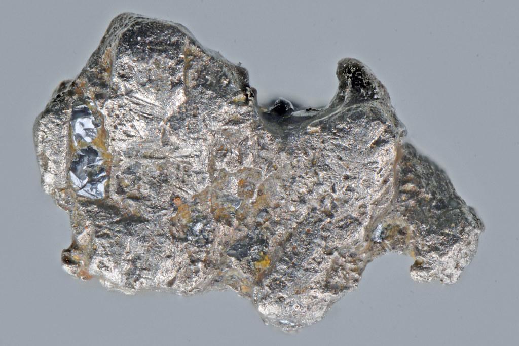 ボーウィエ鉱 / Bowieite