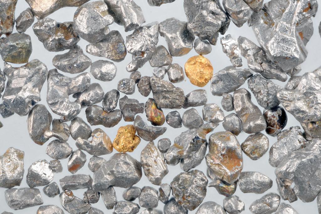 プラチナ系砂白金