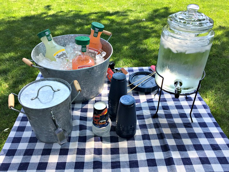 drinks for backyard BBQ party