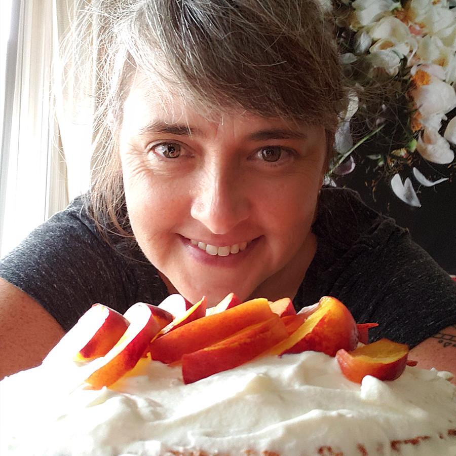super-extended-deluxe-birthday-cake-3