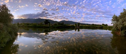 sunrise iphone xr apple kaysville pond reflection wasatch mountains utah panoramic pano water cloud clouds davis usu botanical garden