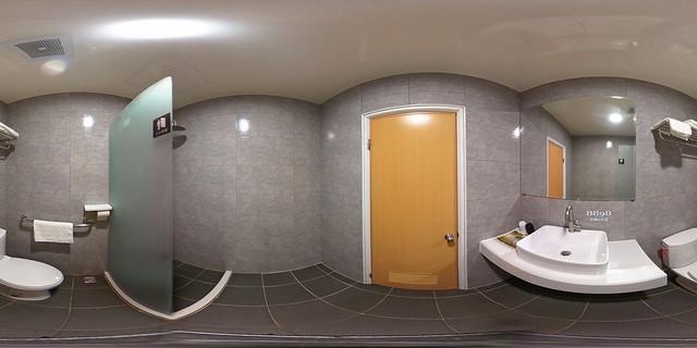 02-2假期旅店-二人套房二小床衛浴