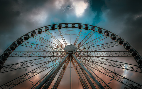 rivierawheel torquay outdoors sky clouds up ferriswheel nikon tamron rtaphotography light wide sunset dusk evening