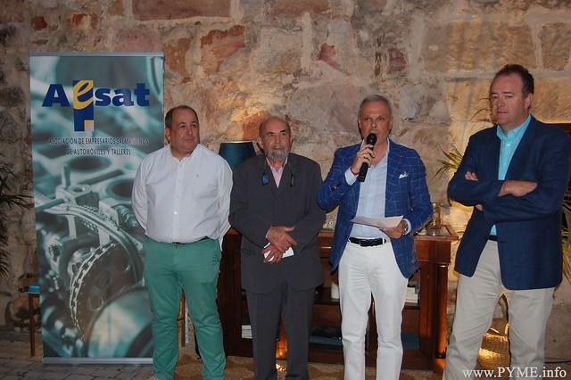 El presidente de CONFAES, Juan Manuel Gómez, también ha estado presente en la entrega del galardón de AESAT a Pedro San Pascual.