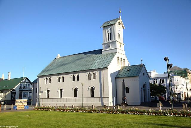 Die Dómkirkja in Reykjavik am 5.07.19