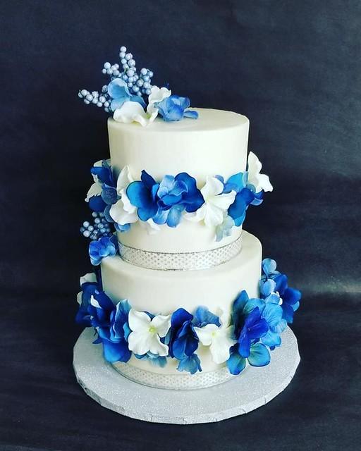 Cake by Kelly Slays Cakes