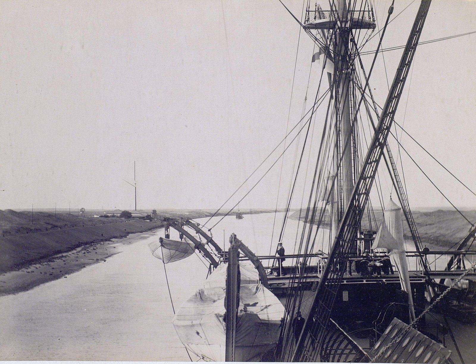26. 1890. Египет. Фрегат «Память Азова» в Суэцком канале.