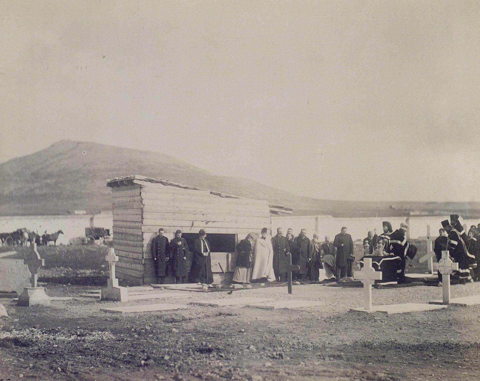 11. 1890. Греция. Посещение русского кладбища в Пирее