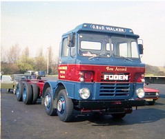 Leyland 600 posted a photo:	Travelling down the A1 to Wisbech to have the bulk feed blower body fitted. 1976.
