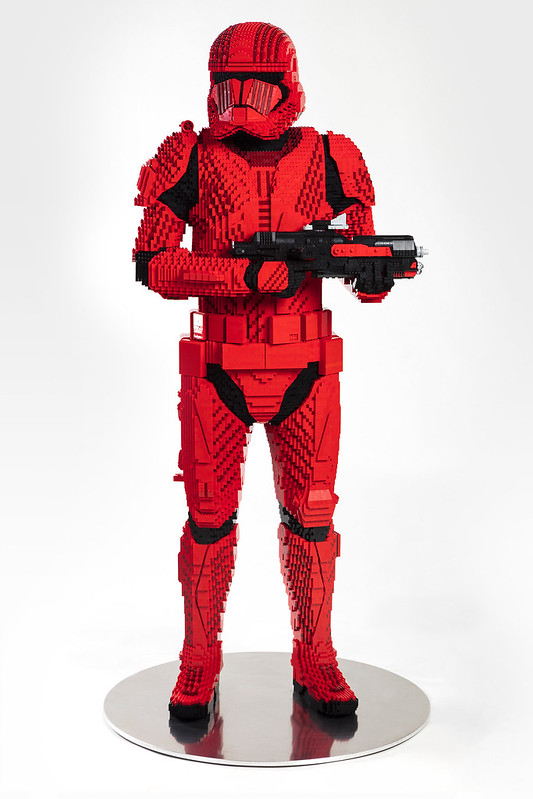 LEGO_Sith_Trooper_SDCC2019_Front