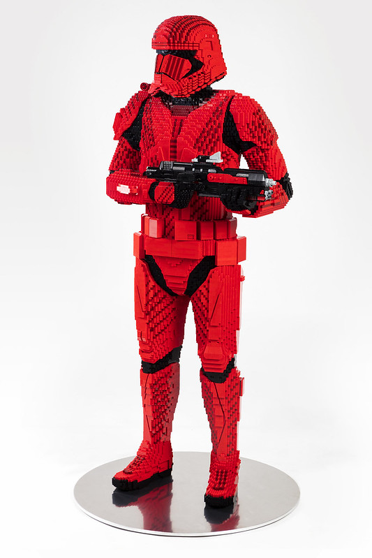 LEGO_Sith_Trooper_SDCC2019_Angle