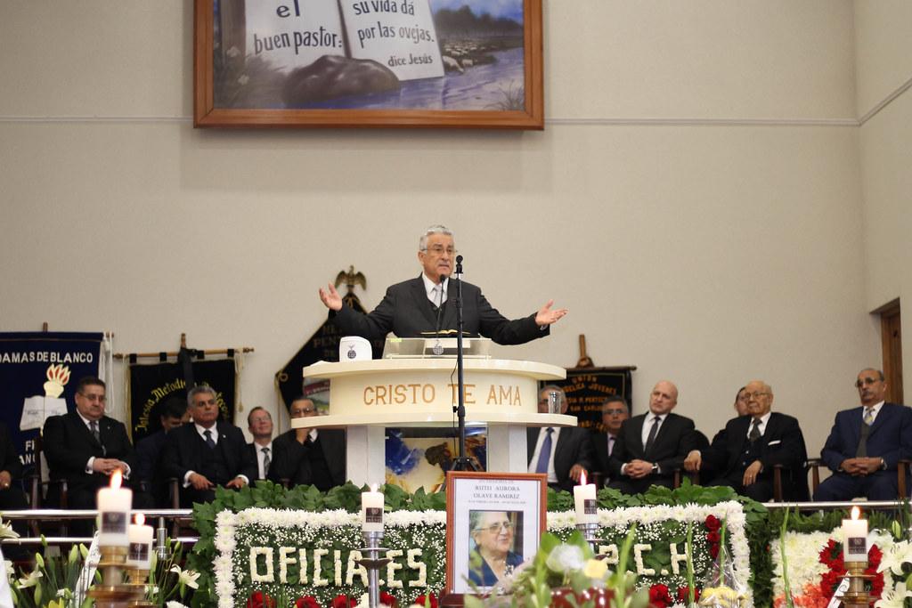 Emotiva y multitudinaria despedida de pastora Ruth Olave Ramírez en San Carlos