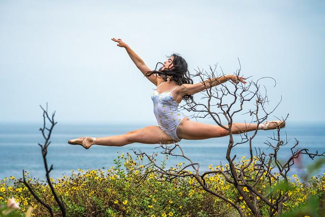 Grand Jete Ballerina Jumps! Fine Art Ballet Portraits Pretty Ballerina Dancer Dancing Classical Ballet! Sony A7R3 GMASTER Sony FE 70-200mm f/2.8 GM OSS Lens SEL70200GM El Matador Beach Malibu Beach! Fine Art Ballet Photography Leotard Tutu Ballet Slippers