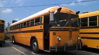 Crown bus 32