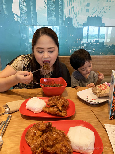 Gia and Uno at BonChon