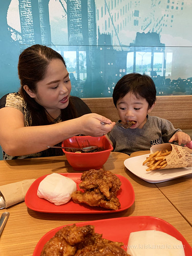 Uno and Gia at BonChon