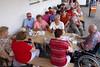 Auch im Rollstuhl kann Josef Herbst, unser lebendiges Billeder Einwohnermeldeamt, das Sommerfest nicht auslassen