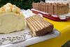 Auch die aufwendige Dobosch gehört zur einem Angebot, wie man es eher auf Konditorei-Messen findet